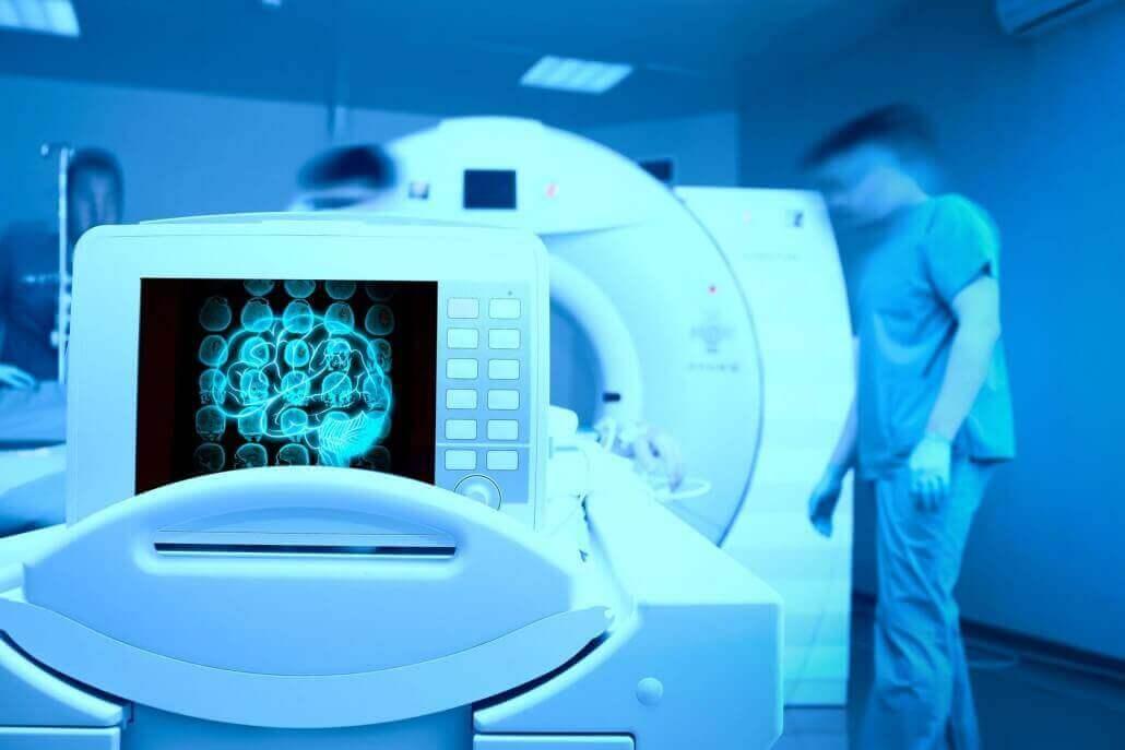 """מכונת ה MRI בה משתמשת ד""""ר סיגל טל"""